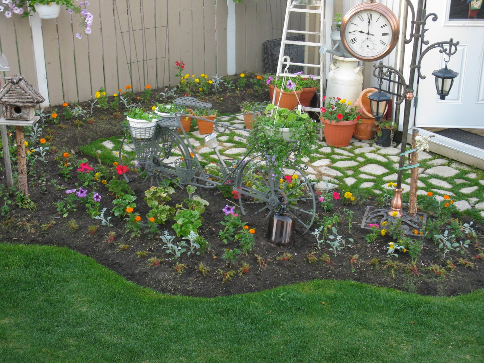 Поделки для сада двора своими руками